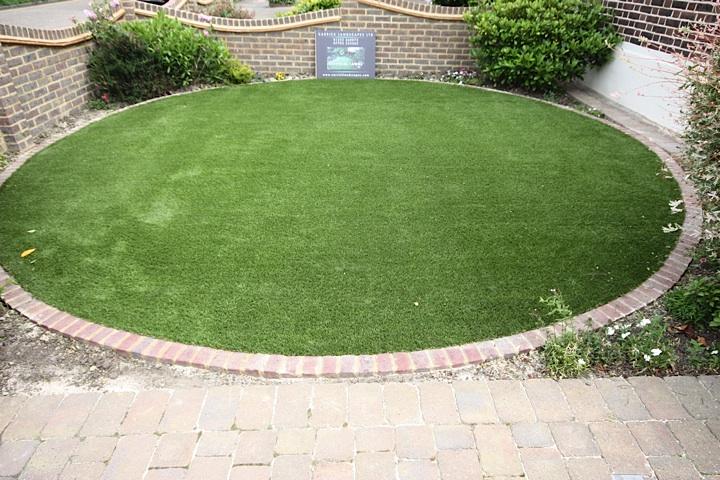 Garden circle feature artificial grass lawns and turf by for Garden design ideas artificial grass