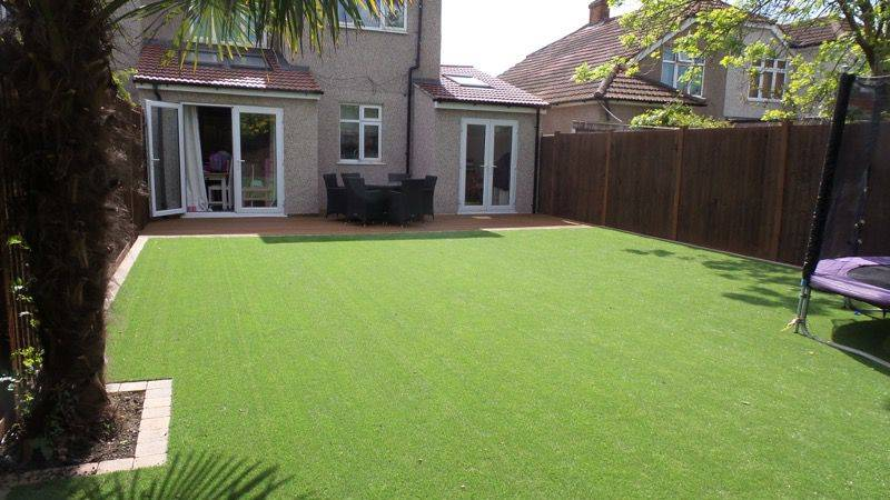 Artificial grass and decking sidcup artificial grass for Garden decking with artificial grass
