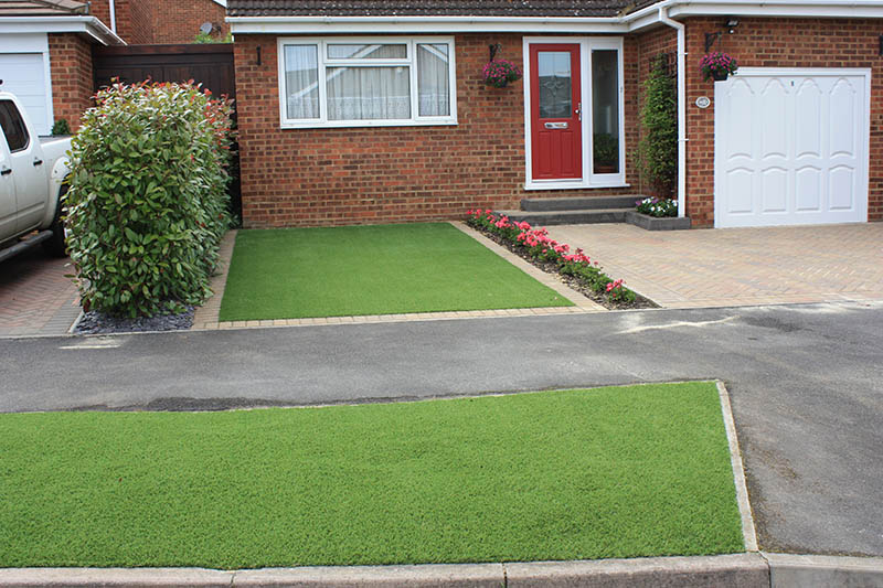 Artificial Grass Lawns and Turf by Carrick » Driveway Lawns